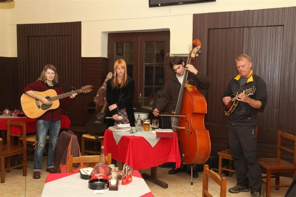 Folkový večer na Vlachovce