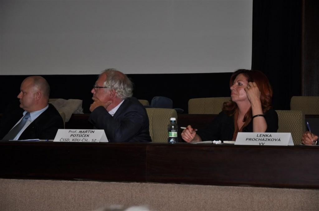 Veřejná diskuse občanů s kandidáty do Senátu
